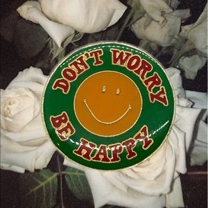 VTG Don't Worry Be Happy Pin